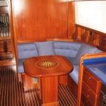 Mennorquin-8-dinette-piano-cabine